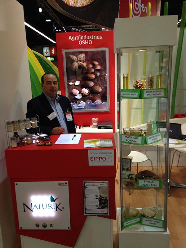 naturik_tradeshows2015-pic01